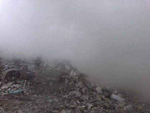 В Казани горит мусорный полигон – на место выехали пожарные