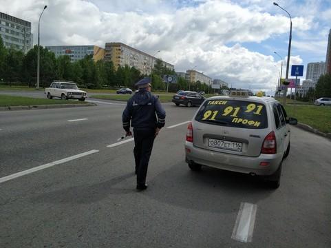 Водители Челнов незаконно ставили на автомобили фонари такси