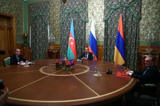 Армения опровергла обстрелы города Гянджа вАзербайджане