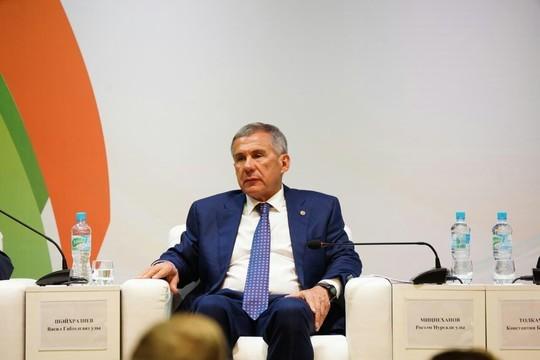 Минниханов в Уфе призвал татар голосовать за Хабирова