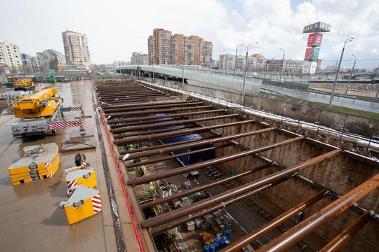 Минниханов и Метшин посмотрели, как идет строительство новой ветки метро в Казани