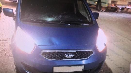 Водитель в Нижнекамске прокатил на капоте пешехода, переходившего дорогу в неположенном месте