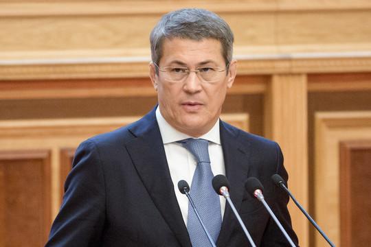 Хабиров потребовал от мэра Стерлитамака объяснений, почему почти 2 тыс. человек сидят без зарплаты