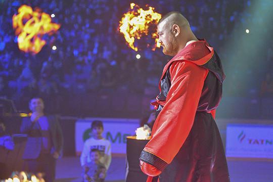 Финал боев TNA: Дацик проиграл ударом в печень, а турнир установил рекорд посещаемости. 18.12.2019