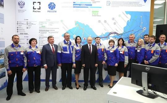Знаменательный день для всей страны: Путин запустил две ТЭС в Крыму