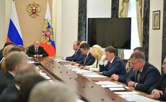 Путин призвал правительство избавить Россию от позорного словосочетания «обманутый дольщик»