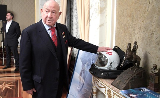 Космонавт Леонов, связанный сBaring Vostok, покинул Российскую Федерацию