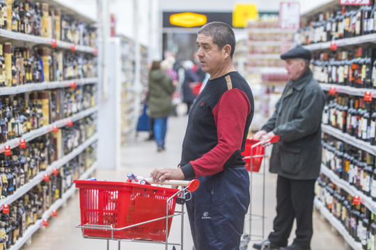 В государственной думе посоветовали убрать спирт итабак изпродуктовых магазинов