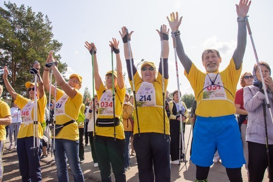 На фестиваль скандинавской ходьбы в Челнах приехали свыше 500 участников