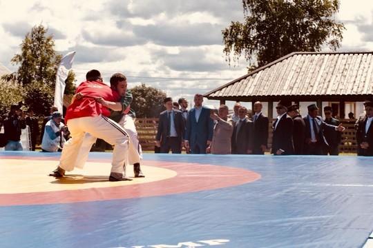 Президент Татарстана посетил всероссийские соревнования в Болгаре