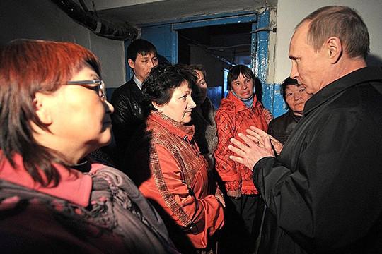 В Российской Федерации 15% жителей считают Владимира Путина далеким отзаботы о обычных людях