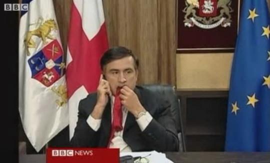 Саакашвили рассказал о своей привычке жевать галстуки