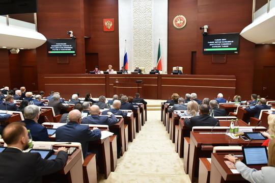 Госсовет РТ принял обращение к Путину по языковой политике