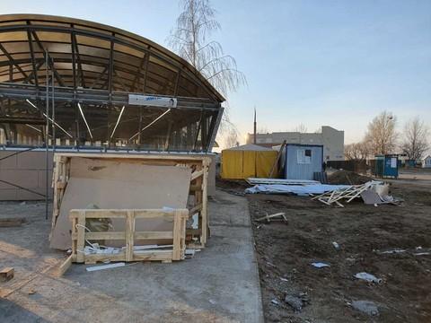 В Челнах продолжают строить подземный переход, который открыли две недели назад