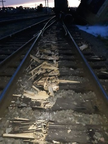 В Татарстане на железнодорожной станции сошла с рельс цистерна с метанолом