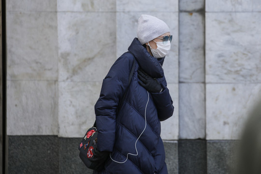 Прокуратура РТ разъяснила, где требуется носить маски и перчатки и что понимается под общественным местом