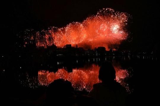 В Москве состоялся салют в 10 тыс. выстрелов в честь Дня Победы