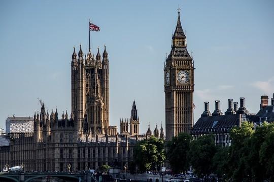 9 русских  предпринимателей  оказались вдокладе английской  разведки