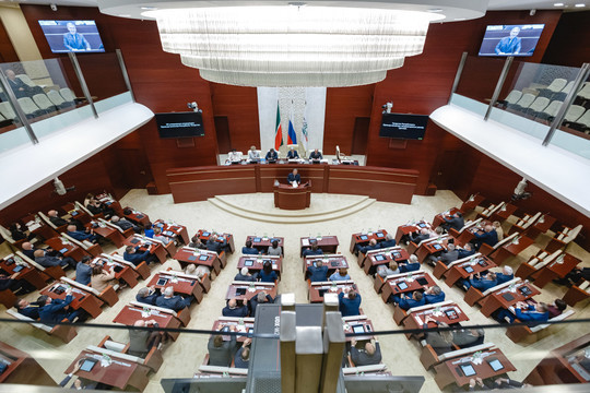 В Госсовете РТ прошло нулевое чтение бюджета-2021 с нефтью по $43,3 и долларом за 70 рублей