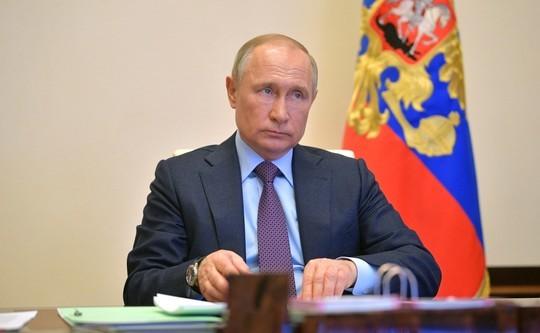 Кремль анонсировал новое обращение Путина по ситуации с COVID-19