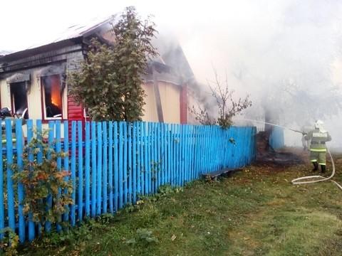 Татарстанец спас пожилую пару из горящего дома