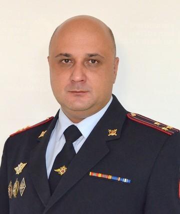 Хохорин назначил проверку после сообщений о стрельбе начальника отдела полиции в Казани по подчиненным