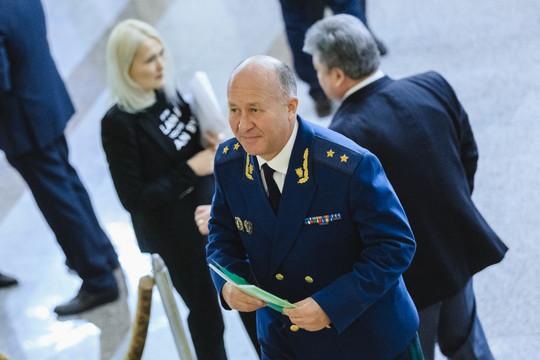 Прокурор Татарстана официально предупредил главу минздрава об ответственности за нарушение прав медработников