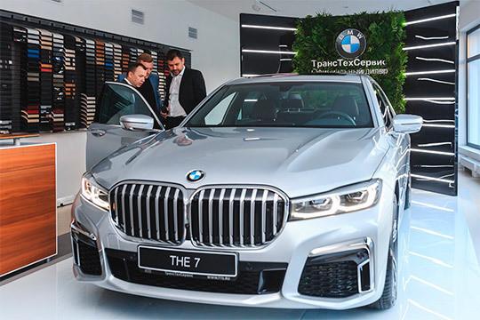 «Тут еще ваши папы автомобили покупали»: ТТС провел реновацию легендарного автосалона BMW