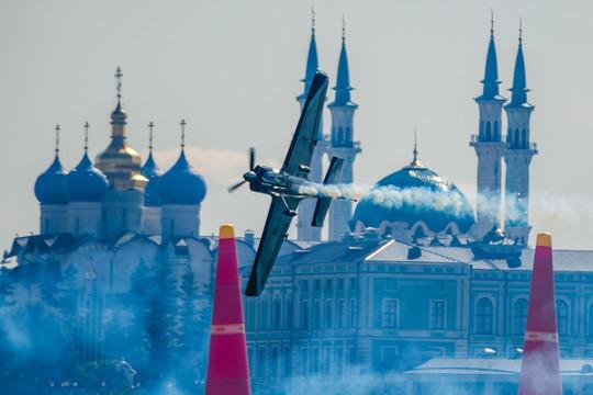Авиагонки Red Bull Air Race в июне станут последними в Казани 