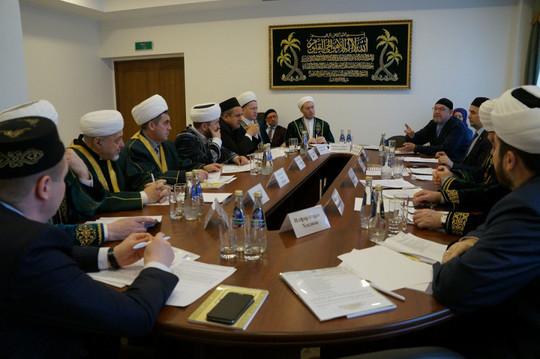 «Татарские школы закрываются, но сохраняются мечети»: ДУМ РТ призвал усилить роль ислама в «Стратегии развития татарского народа»