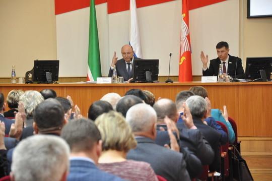 «Средств в бюджете не хватает»: глава Тукаевского района прокомментировал исполнение «дорожной карты»
