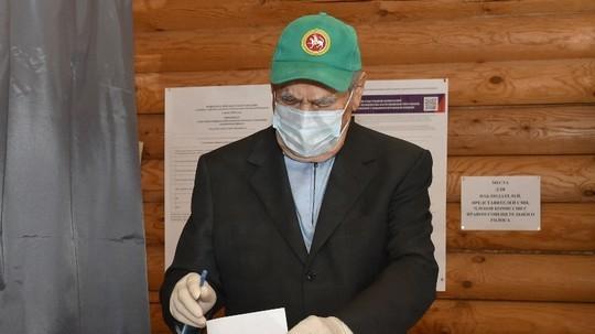 Шаймиев проголосовал по поправкам в Конституцию