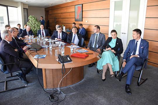 Татарстан собирается поставлять вПортугалию КАМАЗы, вертолеты икорабли