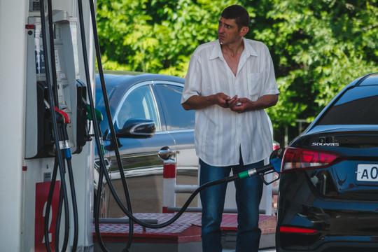 Названы регионы с самым доступным бензином – Татарстан не вошел в топ-30