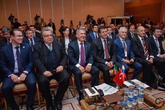 Посол России Андрей Карлов (слева от президента РТ) встречал Рустама Минниханова в Анкаре