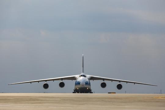 Глава минтранса РФ назвал возможные сроки возобновления международных полетов