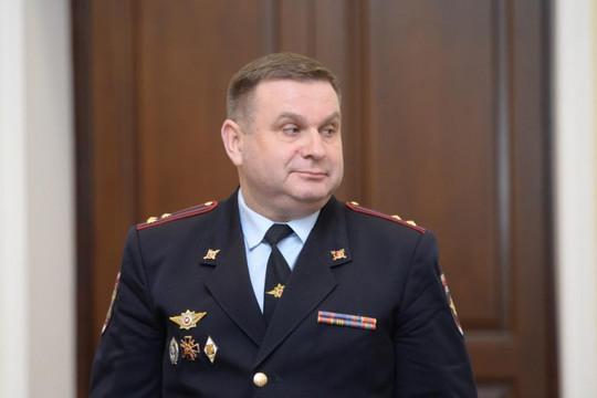 Baza: инспектора ГИБДД заставили писать объяснительную за остановку замглавы полиции Москвы