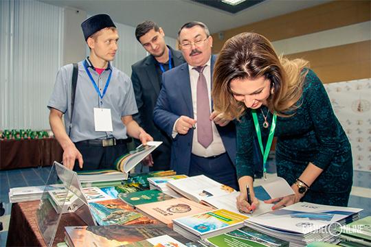 «Фарит Уразаев, который возглавляет ассоциацию татарских предпринимателей, говорит, что унего вкартотеке 3,5 тысячи бизнесменов»