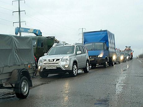 Пробка-по-дороге-к-БС�-растянулась-на-километры.jpg