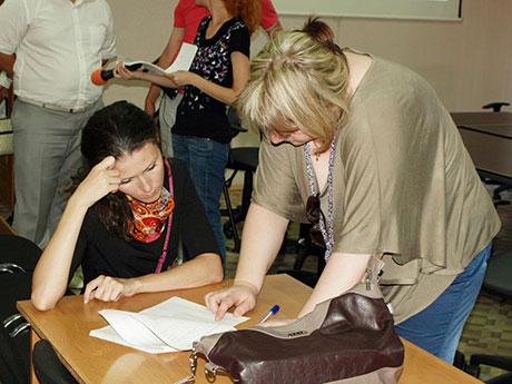 Анастасия-Шестиалтынова-(слева)-рассказала-о-насущном-