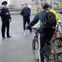 Прочь сдороги: Рифкат Минниханов гонит велосипедистов впарки искверы