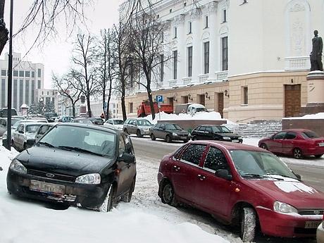 парковка на Театральной.jpg