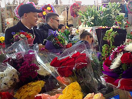 Что нужно чтобы продавать цветы на 8 марта жених и невестакампанула комнатные цветы купить в киеве