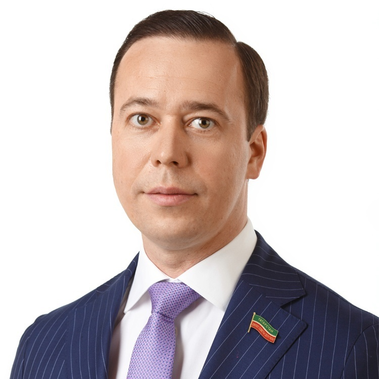 Абдулхаков Рустам Рифгатович, генеральный директор АО «Казэнерго», депутат Госсовета РТ