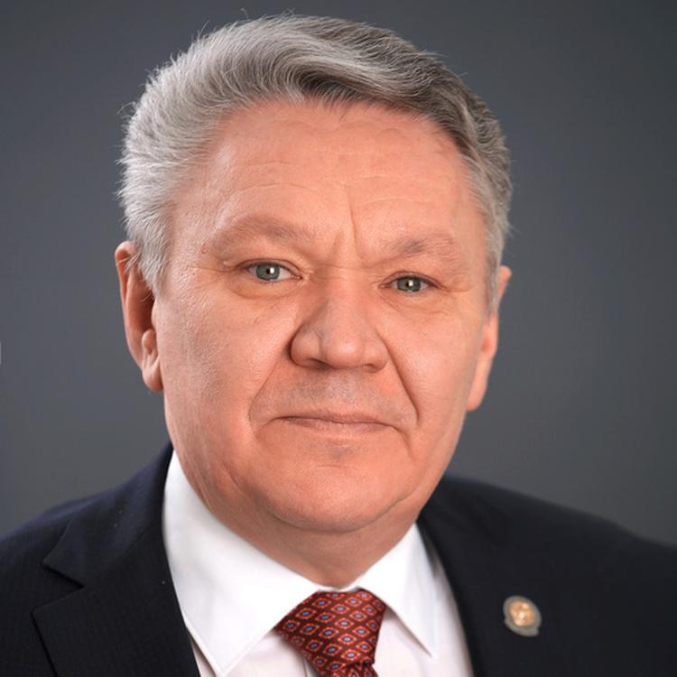 Бурганов  Рафис Тимерханович, и.о. ректора Поволжской государственной академии физической культуры, спорта и туризма