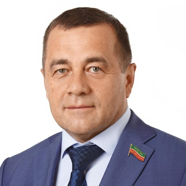 Сулейманов Рифнур Хайдарович, директор АО «Татэнергосбыт», депутат Госсовета РТ