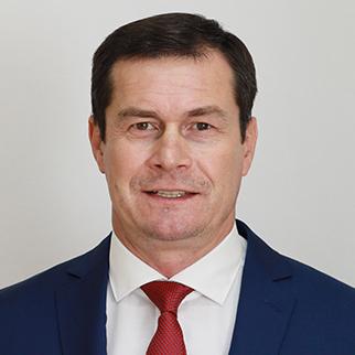 Гизатуллин  Ильнур Альфридович, главный тренер ХК «Нефтяник»