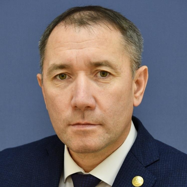 Дияров Эдуард Махмутович, заместитель министра земельных и имущественных отношений РТ