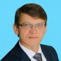 Хузин Рустем Ниязович, начальник управления образования исполкома г. Набережные Челны