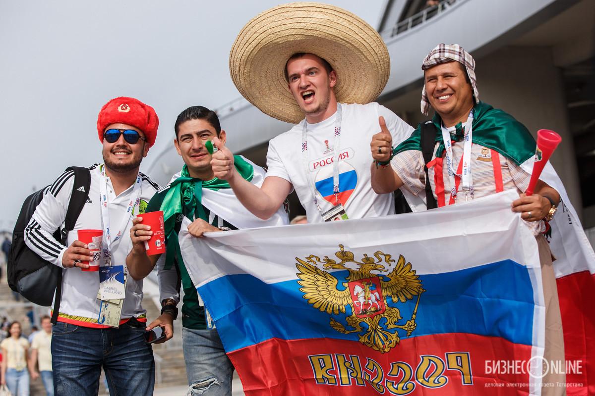 Русская проиграла свои дырки толпе фото 539-735